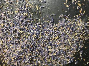 Roasting lavender buds